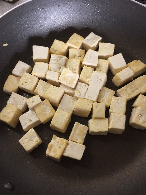 ゴーヤチャンプル オリーブオイルで炒めた豆腐.jpg