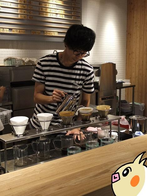 MORIHICO コーヒーはハンドドリップで淹れています.jpg